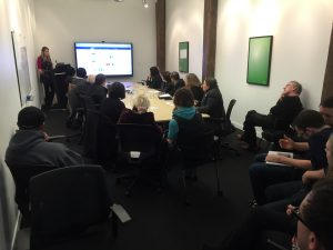 Raewyn training small business owners on Xero at Xero HQ